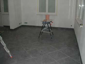 pose des plinthes notre maison chantier jour apr s jour. Black Bedroom Furniture Sets. Home Design Ideas