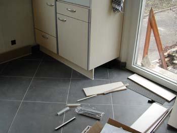 La cuisine prend forme notre maison chantier jour apr s jour - Fabriquer caisson armoire ...