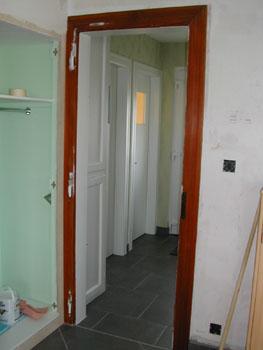 Un peu de peinture notre maison chantier jour apr s jour for Largeur cadre de porte