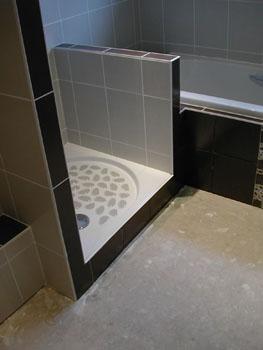 salle de bain fin du carrelage notre maison chantier jour apr s jour. Black Bedroom Furniture Sets. Home Design Ideas