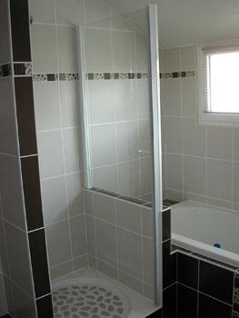 Porte de douche notre maison chantier jour apr s jour for Placo pour salle de bain